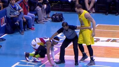 Photo of WATCH: Kelly Williams throws Arwind Santos to the floor!